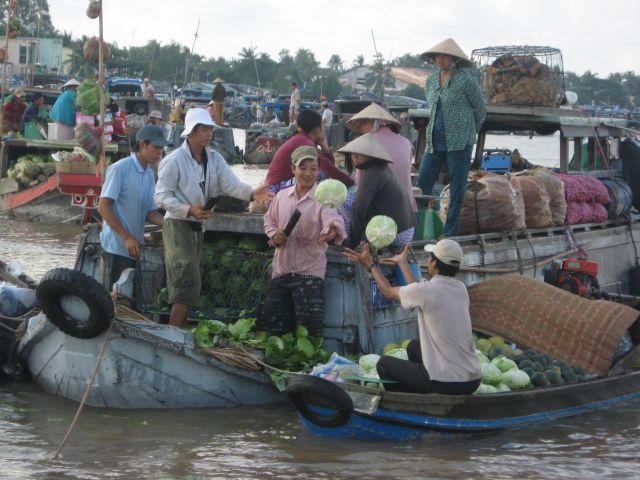 De compras por Vietnam