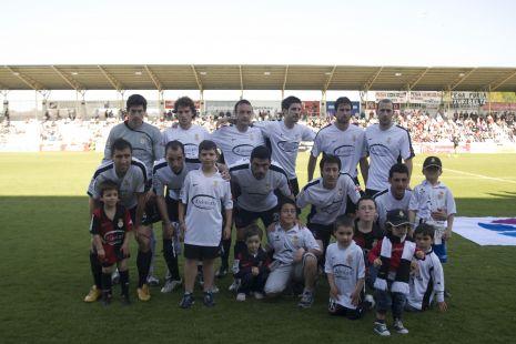 El equipo y la joven aficion
