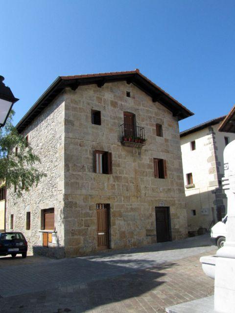 Casa de piedra de silleria en elizmendi asteasu 142 m for Piedra de silleria