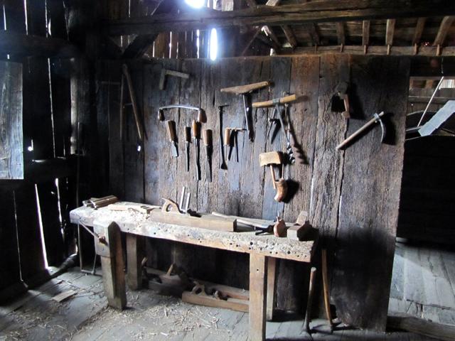Taller de carpinter a del caser o igartubeiti fotos de - El taller de lo antiguo ...