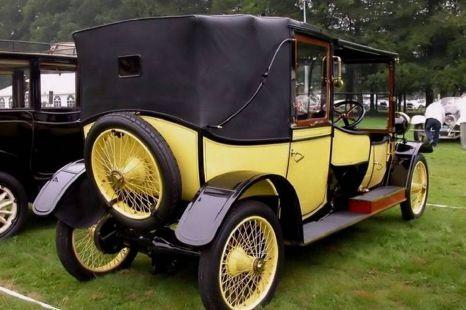 exposicion coches antiguos