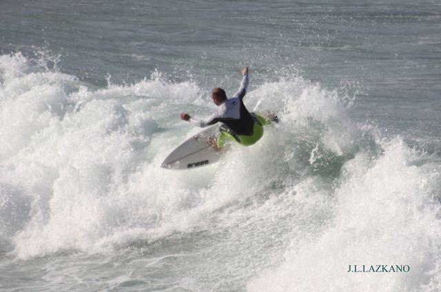 Surfista.Orrua.Zumaia.2011-12-03