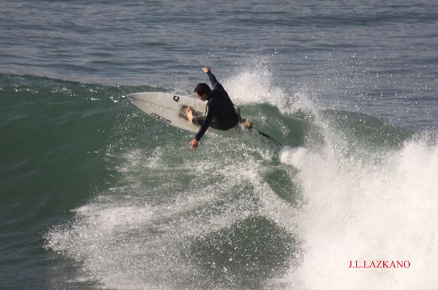Surfista-Orrua.Zumaia.2011-12-03