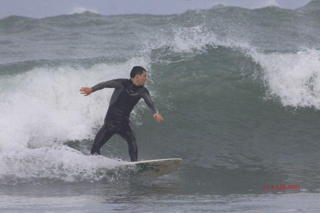 Surfista.Zumaia.2011-12-31