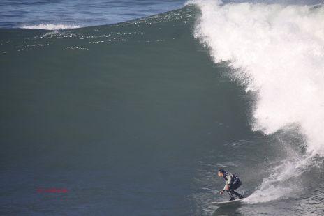 Surfista.Roca Puta.Zumaia.2012-01-03