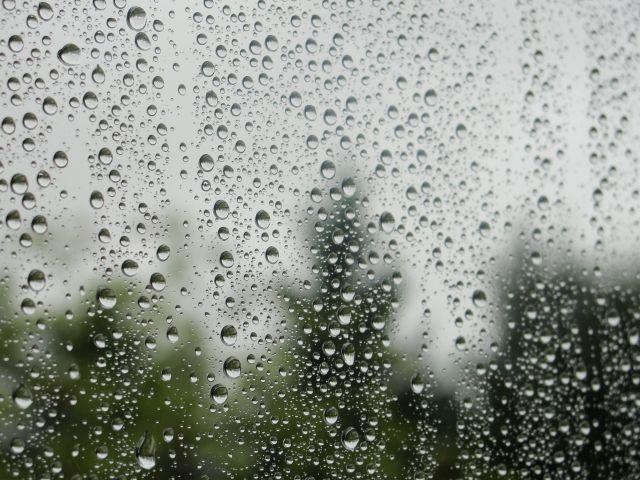 lluvia en los cristales