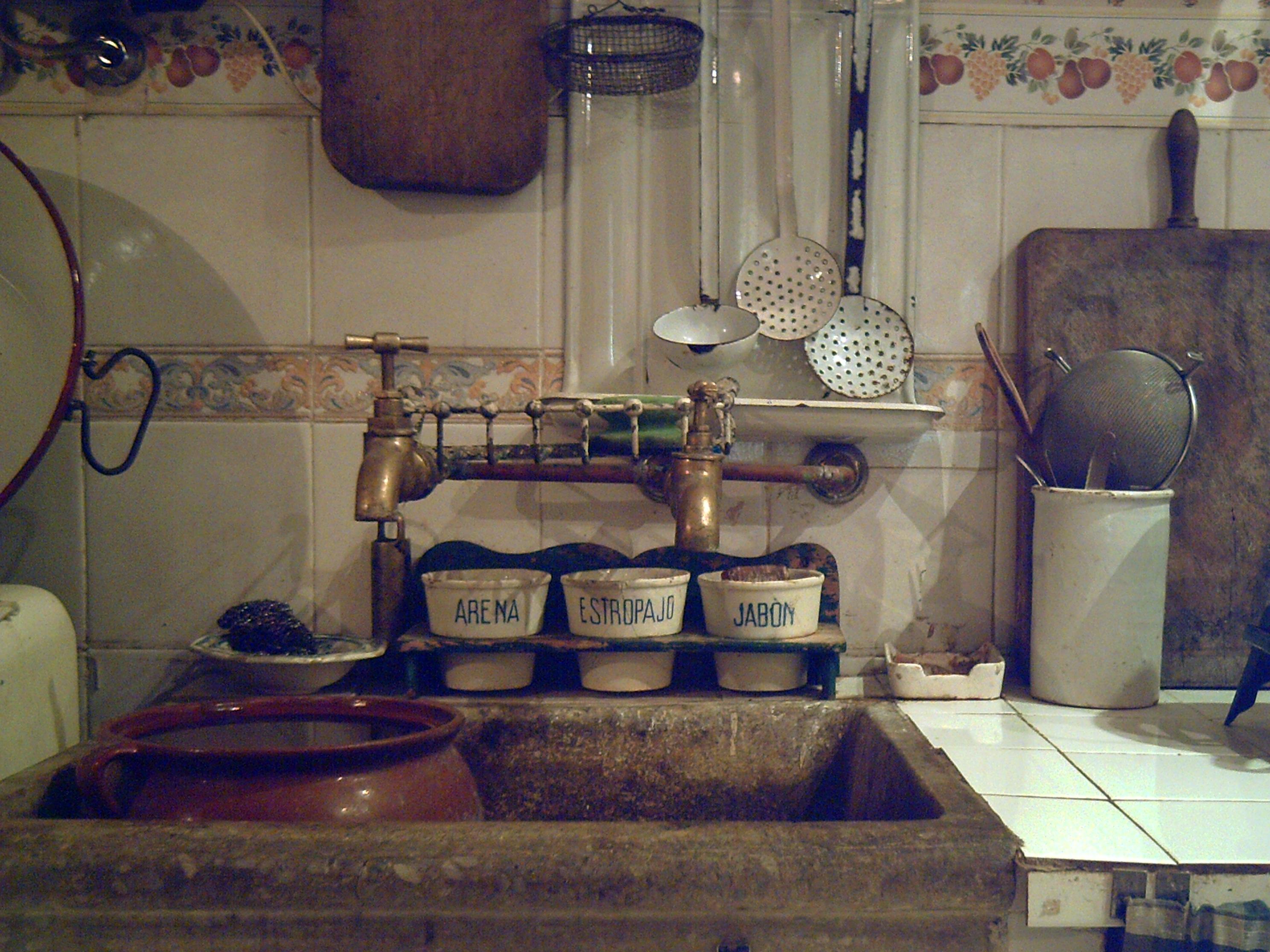 Cocina a os 50 fotos de fotograf a creativa - Fotos de cocinas antiguas ...