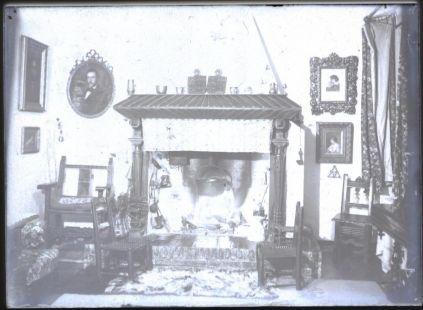 interior de casona guipuzcoana c 1912