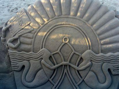 PLAYA DE LA ZURRIOLA-MONUMENTO DE ARENA