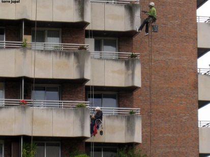 obreros colgados