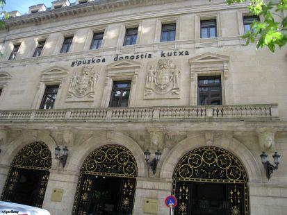 edificio kutxa-donostia