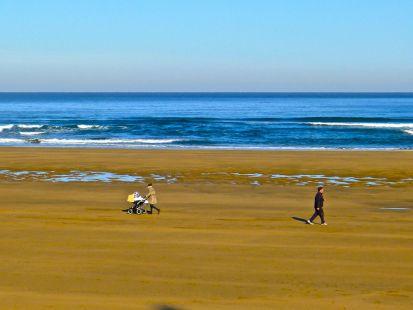 Dando un paseo por la playa de Zarautz