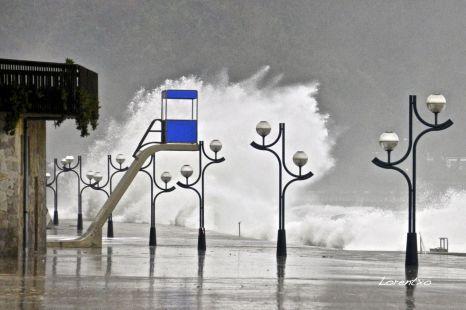 Alerta roja en Zarautz por el temporal