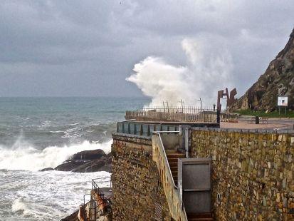 Grandes olas en Donosti 11-12-2014