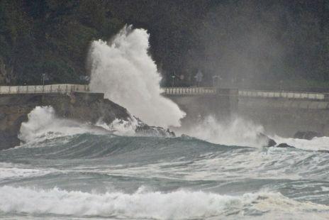 Grandes olas hoy en Zarautz 6-12-2014