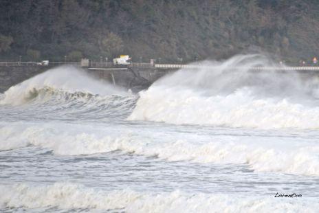 Grandes olas en Zarautz 12-12-2014