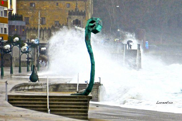 Grandes olas en Zaratz por Mareas vivas