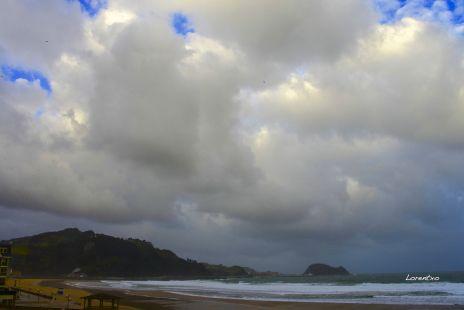 Grandes nubes en Zarautz