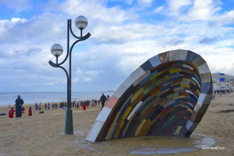 La ola en la playa de Zarautz