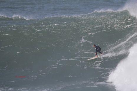 Roca Puta.Surfista I.Yeregui.2016-02-08