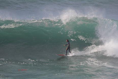 Roca Puta.Surfista Axi Muniain.2016-03-27