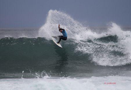 Campeonato Mundial de Surf.Surfista A.Aramburu.Zarautz.2016-04-03