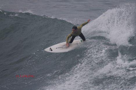 Zumaia.Orrua.Surfista I.Amatriain.2016-10-25