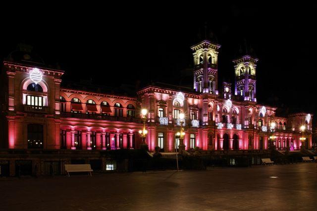 Ayuntamiento iluminado