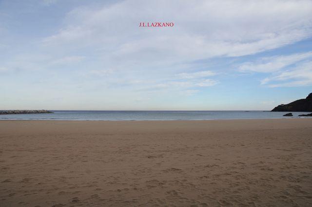 Deba.Hondartza.Mar en calma.2016-12-07