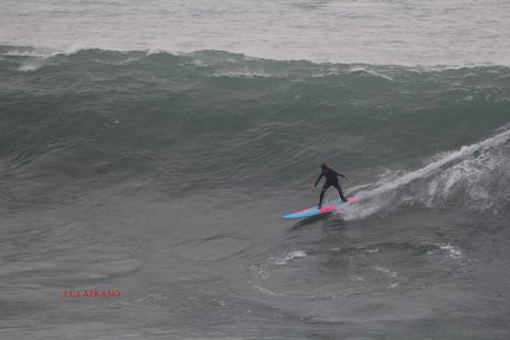 Zumaia.Roca Puta.Surfista Gato.2016-12-16