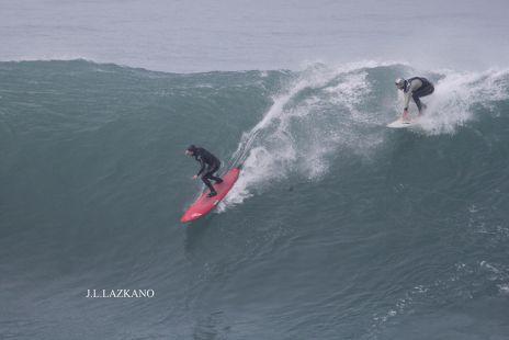 Zumaia.Roca Puta.Surfistas.2016-12-22
