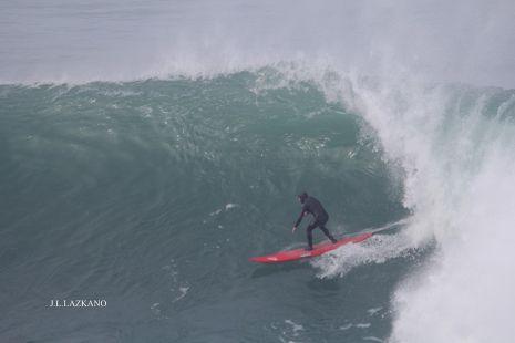 Zumaia.Roca Puta.Surfista.2016-12-22