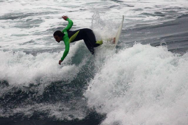 Deba.Surfista Eritz
