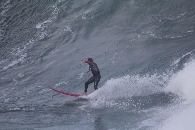 Zumaia.Roca Puta.Surfista