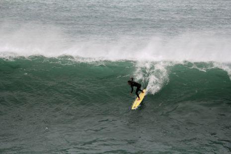 Zumaia .Roca Puta.Surfista I.Ieregi