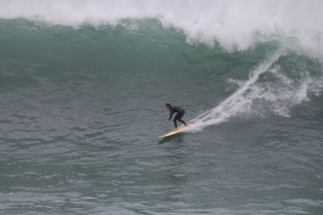 Getaria.Roca Puta.Surfista I.Ieregi